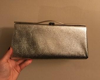 Vintage Handbag- Vintage Metallic Silver Evening Clutch Bag