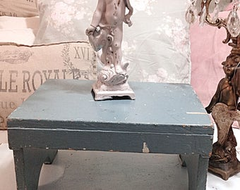 Fabulous Vintage Shabby Chic Farmhouse Chippy Teal Blue Wooden Step Stool