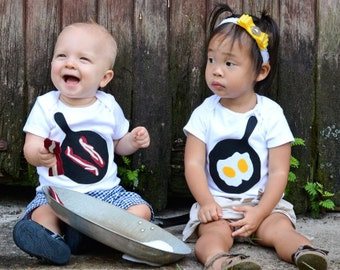 Twin Onsies, Twins Baby Gift, Bacon and Eggs, Sibling Shirts, Fathers Day Gifts, New Baby Gift, Funny Baby Clothes, Twins Children