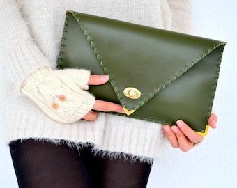 Dark green leather clutch / Handmade leather bag / Italian leather / Envelope bag / Envelope clutch