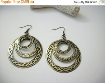 ON SALE Vintage BOHO Large Rustic Brass Metal Earrings 12017