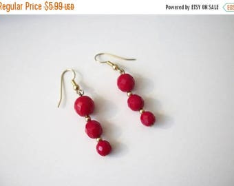 ON SALE Retro Gold Red Faceted Plastic Beads Earrings 40117