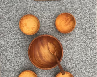 Set of 5 Vintage Wooden Bowls-Salad and Serving Bowls with Spoon