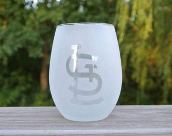 Pair of inverse etched/sandblasted wine glasses with St Louis Cardinals STL logos