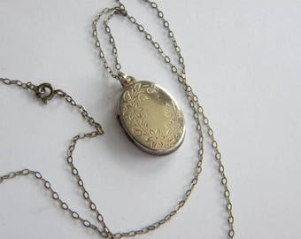 vintage small Sterling SILVER LOCKET ~ necklace silver 925 ~ A2858