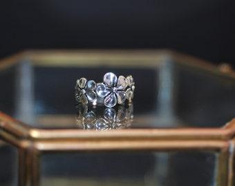 Sterling silver flower ring; Size 7-1/4 USA; Promise ring; friendship ring; gardener's ring