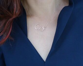 Past Present Future Necklace, Interlocking Circles Necklace, Dainty Gold Necklace, Dainty Sterling Silver Necklace, Circle Necklace