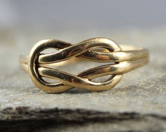 Lovely Vintage 9CT Gold Knot Ring