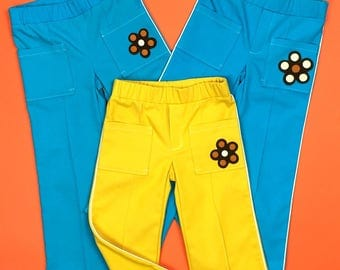 Retro pants with vintage flower