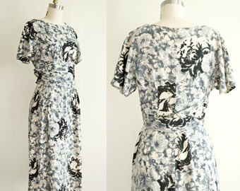 Vintage 1950s pencil dress . 50s grey and black floral print barkcloth wiggle dress . mad men hourglass . medium