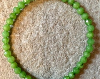 Peridot 4mm faceted semi precious gemstone beaded bracelet