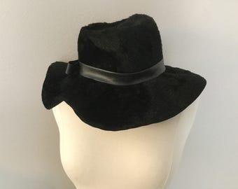 1960s 70s Black Floppy Faux Fur Leather Hat Womens Mod Designer Duchess Italy