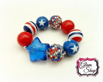 Fourth of July Chunky Bracelet - Patriotic Chunky Bracelet - Red, White, Blue Star Chunky Bracelet.  20mm Beads and Blue Star Bead Focal