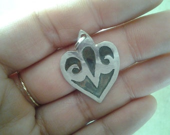 silver heart pendent
