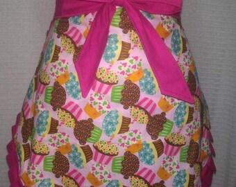Cupcake delight half apron