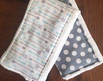 Arrow and Dot burp cloth set