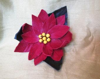 Poinsettia brooch, Christmas Flower brooch, Christmas brooch, Christmas brooch, brooch Leather Christmas Flower, Christmas Flower Poinsettia