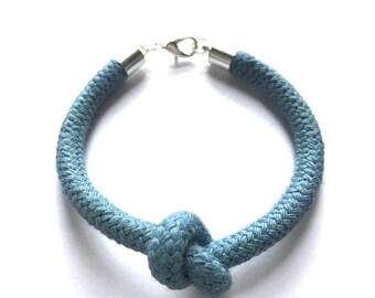 Node heart bracelet mini rope pigeon blue
