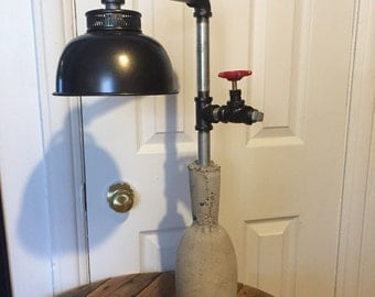 "Lamp in concrete ""steampunk"""