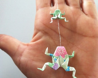 Two Origami Frogs Strand