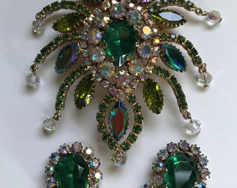 Outrageous Large Juliana D&E Green Brooch and Earrings #265