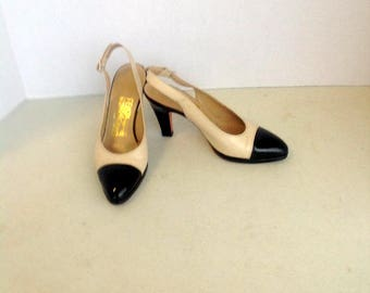 sz 6 b vintage FERRAGAMO shoes, black and beigh  high heel shoes  made in ITALY