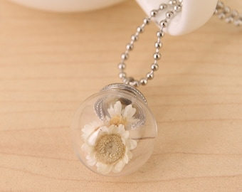 White Dried Daisy Flower Pendant with Silver Chain Necklace. Jewellery Gift for Women, Girlfriend, Wife, Fiancee, Girl.
