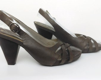 Brown Leather Heeled Sandal Shoes by Naturalizer Ladies Size 9 M
