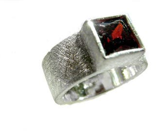 garnet ring silver 925  karee garnet 7x7mm gemstone