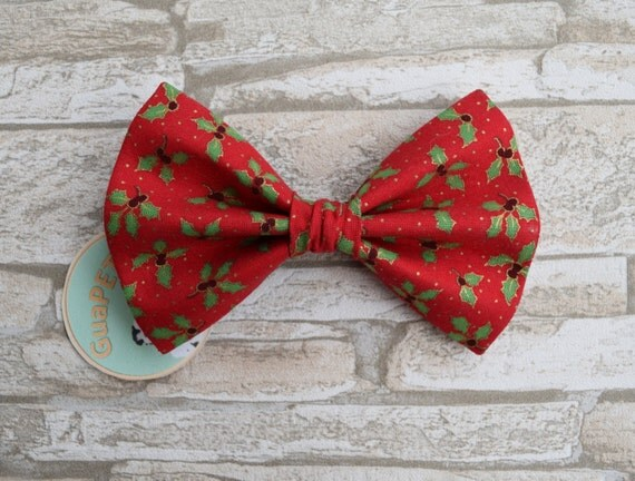 """Bow Tie Bowtie """"Christmas Vibes"""" for dogs, cats or other pets, green red"""