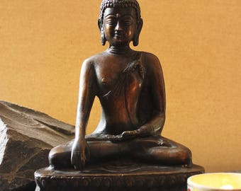 Ornate Brass Buddha In Sitting Position With Smooth Bronze Brass Finish, Meditating Buddha, Enlightened Buddha , 20 cm Tall Spiritual Buddha