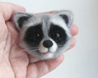 Needle felted raccoon brooch Needle felted animal Felt Brooch Woodland animal Raccoon brooch Original gift for woman Gift for Christmas