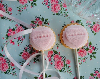 Pink Heart Mr & Mrs Biscuits / Biscuits on a Stick/ Wedding Biscuits/ Wedding Favours/ Goody Bag / Gift / Thank you / Iced Biscuits