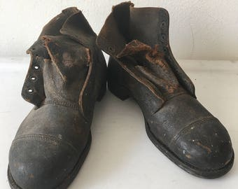 Old Working Boots Genuine Shabby And Durable Leather Vintage 1954 Heavy Boots Men's Brown Size 10-11.