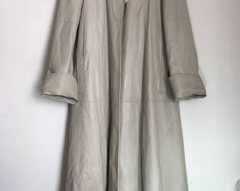 Vintage lite gray long leather jacket woman size medium .