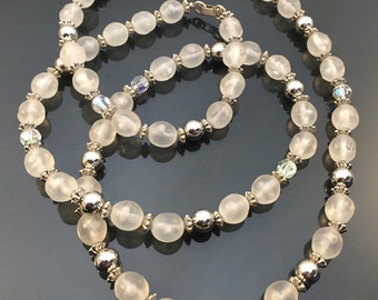 Vintage 1950's Modeled Plastic & Glass Beaded Necklace