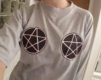 size medium shirt, pastel goth, pentacles, witch craft, witch, pastel witch, gray,