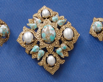 Sarah Coventry Jewelry Set, circa 1965, brooch & clip on earrings