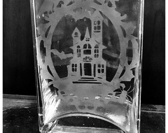 Haunted Mansion etched flower vase or potpourri vase bats