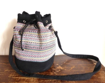 Bucket in jacquard and black cotton bag