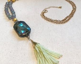 The Lela Necklace