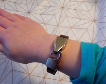 Hook and Clasp Leather Bracelet