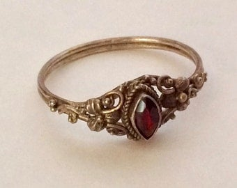 Garnet Antiques Filigree Sterling Silver Ring from Bali size 6