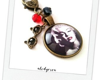 Vintage Marilyn Monroe - cabochon - bronze key ring