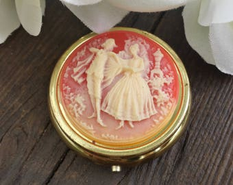 Cameo Pill box From The 50's/50s pill compact/keepsake compact/gifts for her
