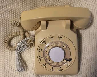 1970s Rotary Dial Phone and Wall Cord