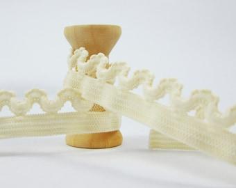 3 m elastic lace Color cream Width: 16mm