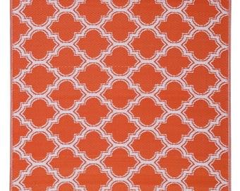 Indoor Outdoor Orange Quatrefoil Reversible Plastic Rug