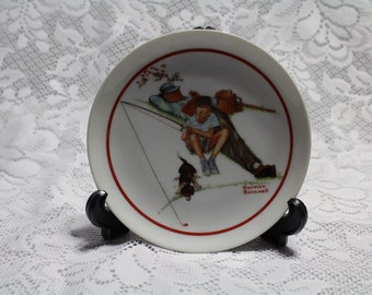 Norman Rockwell Plate ( waiting for dinner)