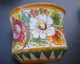 Planter flower pot floral large flowers Italy pottery vintage
